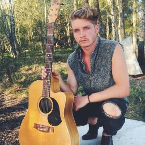 Soak up Sunday Live Entertainment with Pete McCredie @ Raffertys Resort | Cams Wharf | New South Wales | Australia