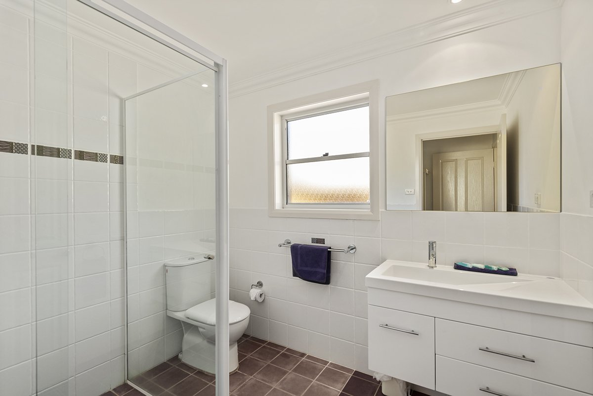 Magenta Beach Select Bathroom